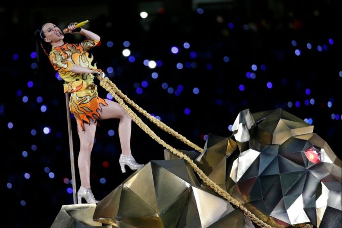 Super Bowl Halftime Show 2015: The Hunger Games Mixed With Spongebob Squarepants