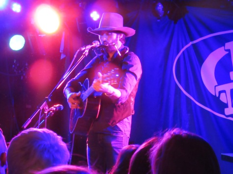 Cowboy hat clad Bingham entertained all night long with a simple solo acoustic set.