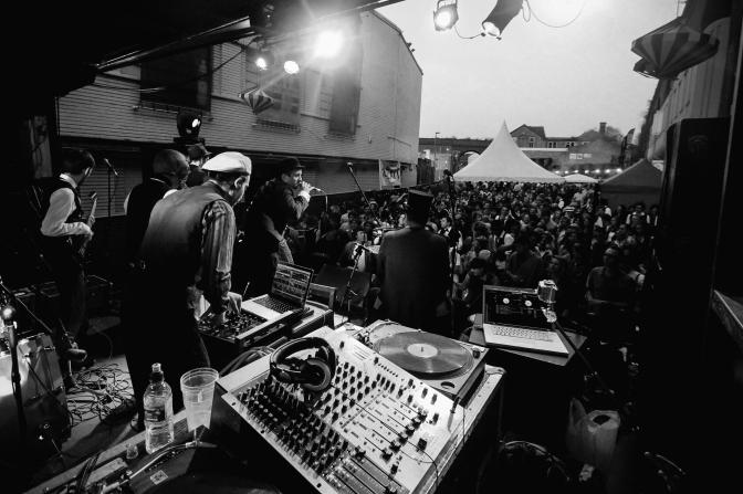 Friday Mix: Anticipating Swingamajig Festival With BIG Electro Swing